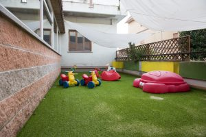 asilo il girasole esterno giardino